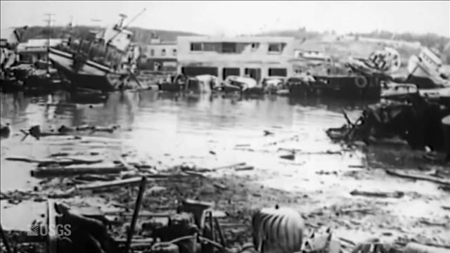 Regarder l'aide-mémoire «TREMBLEMENT DE TERRE EN ALASKA 50 ANS» de Découverte