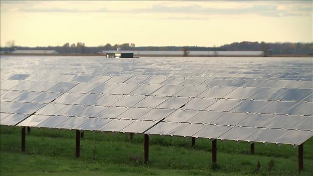 Des panneaux solaires sur les fermes