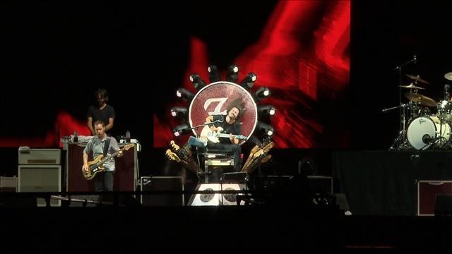 Les Foo Fighters promettent un nouveau spectacle à Québec (2015-07-12)