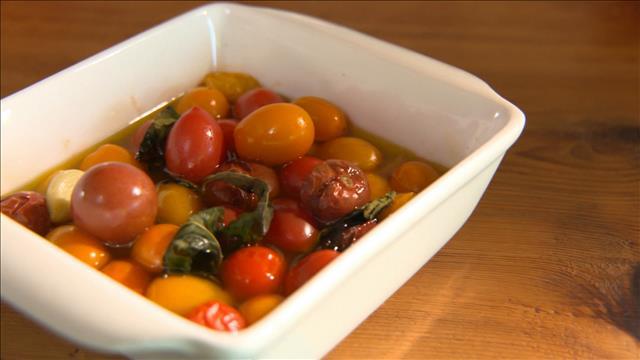 Une salade repas toute en tomates