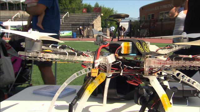 Les drones jouent à la F1