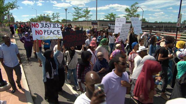 Ottawa: une centaine de personnes à la marche pour Abdirahman Abdi