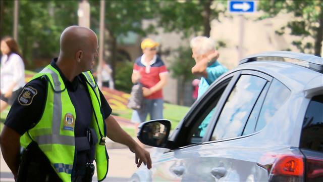 Un policier touristique au coeur du Vieux-Québec