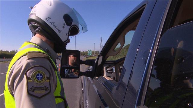Faut-il criminaliser le cellulaire au volant?