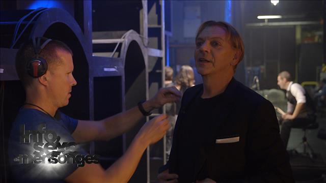 Marc Labrèche sous la douche