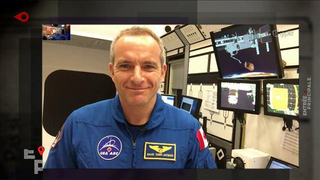 David Saint-Jacques fait visiter l'Agence spatiale canadienne