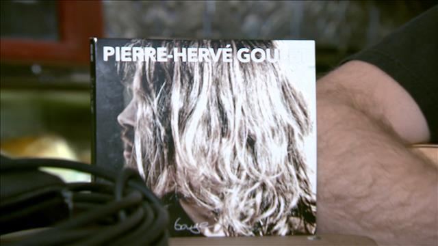 À la découverte de l'auteur-compositeur-interprète Pierre-Hervé Goulet
