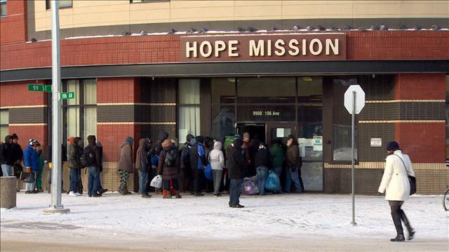 Froid extrème : une camionnette aide les sans-abri à Edmonton