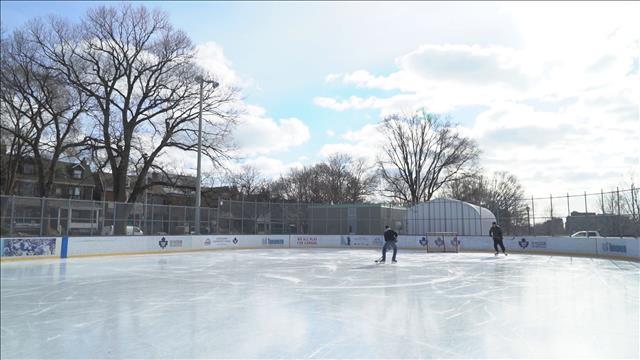 C'est tout un art d'entrenir une patinoire extérieure