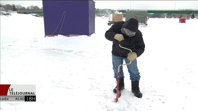 Les amateurs de pêche blanche du N.-B. seraient avisés de faire attention à l'épaisseur de la glace