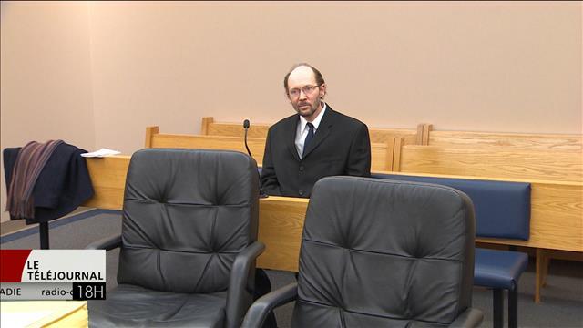 Le procès d'un homme qui s'est fait livrer une poupée sexuelle représentant un enfant