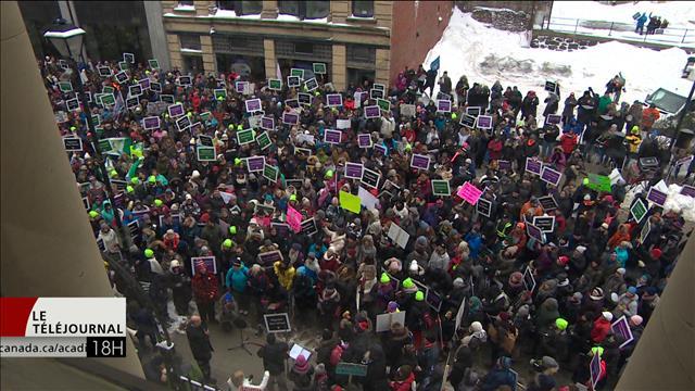 Des enseignants de la Nouvelle-Écosse en grève pour la première fois de leur histoire pour dénoncer l'imposition d'un contrat de travail
