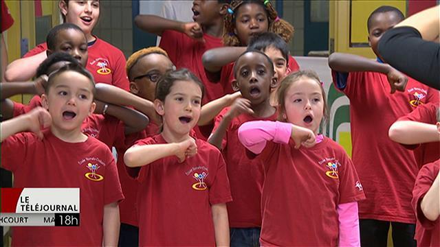 L'émission musicale pour enfants Note Rythme visite les écoles Roméo-Dallaire et Lacerte à Winnipeg.