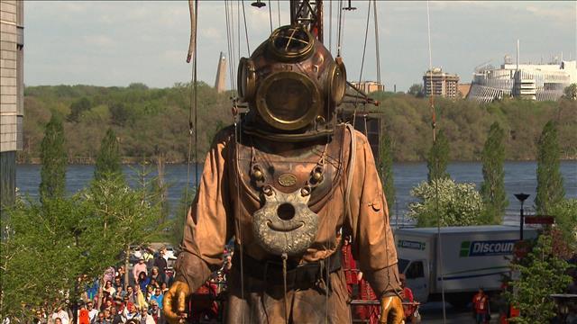 Les marionnettes géantes plient bagage à Montréal