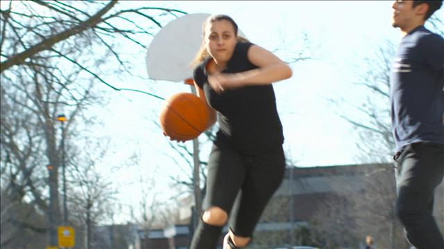Rebondir grâce au basketball