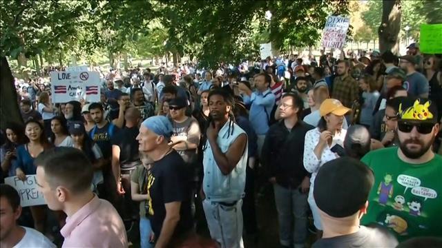 Des contre-manifestants empêchent la tenue d'un rassemblement d'extrême droite