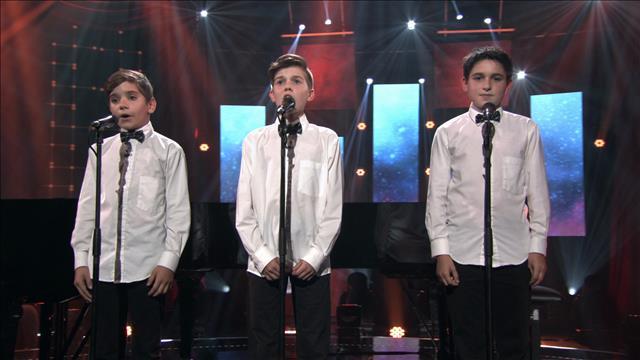 Les petits chanteurs interprètent Reviens-moi d'Antonin Dvorak