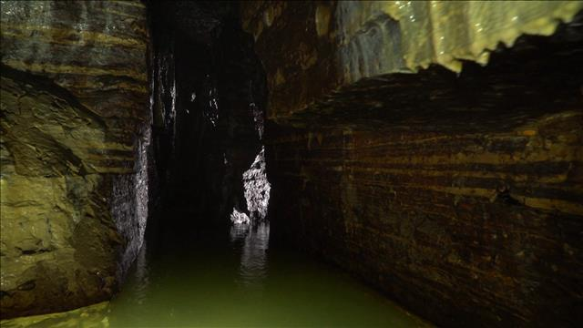 La caverne de Saint-Léonard