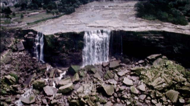 Aide-mémoire: Fermeture des chutes Niagara, 50 ans