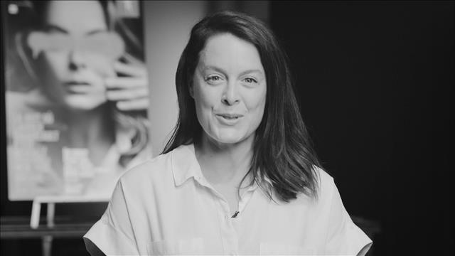 Visionner La minute TNM Démasqué - Julie Le Breton