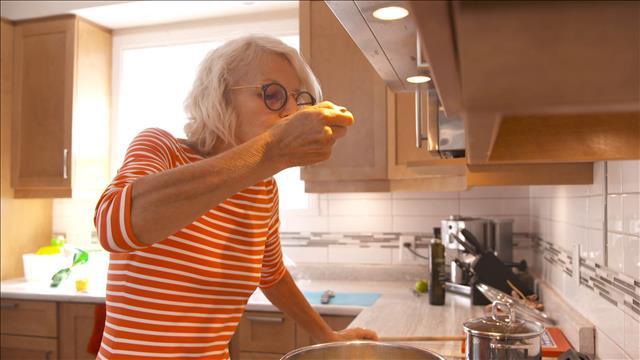 Comment bien s'alimenter après 60 ans