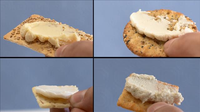 Un test de goût de fauxmage à la crème