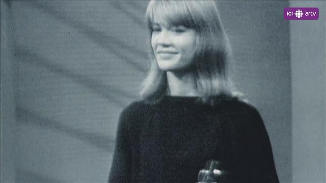 Visionner Françoise Hardy : tant de belles choses (extrait)