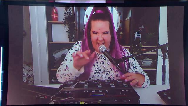 Netta chante son succès Toy