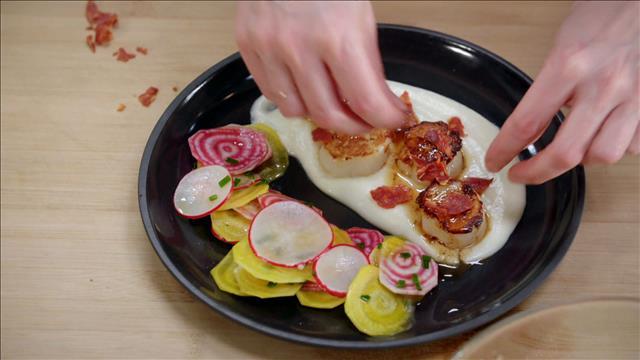 Pétoncles poêlés et salade de betteraves