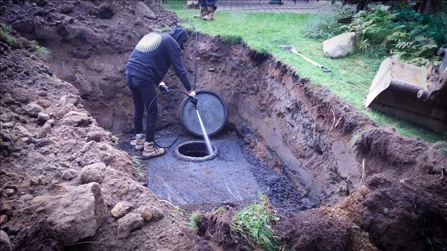 Une vidange de fosse septique problématique?