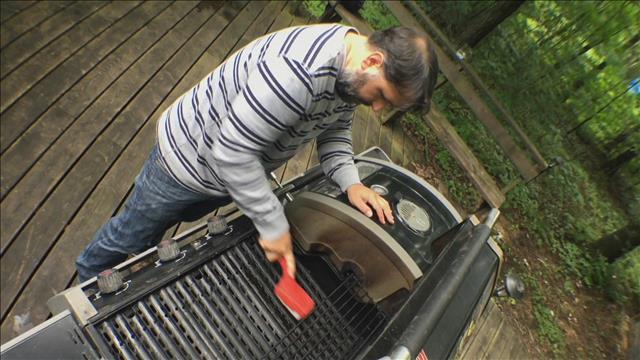 Des brosses à barbecue dangereuses