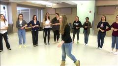Étudier l'histoire du Canada avec des ateliers de danse traditionnelle