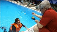 Jean-René poursuit son enquête sur les vestes de sauvetage