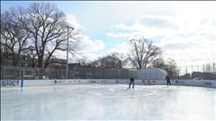 Découvrez l'art de l'entretien des patinoires extérieures