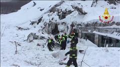 Avalanche en Italie: 4 nouveaux survivants extraits