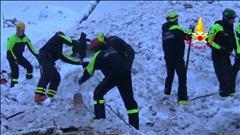 Le bilan de l'avalanche en Italie s'alourdit