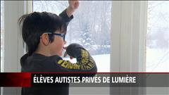 Élèves autistes privés de lumière