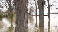 Inondations: Québec ajuste son aide