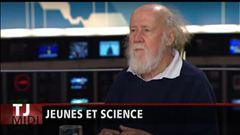Anne-Marie Dussault s'entretient avec l'astrophysicien Hubert Reeves.