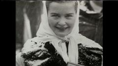 Revoyez des archives de Barbara Ann Scott