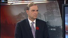 Michel Picard s'entretient avec Jean-Paul Bédard, v.-p. aux affaires publiques à la Société canadienne du sang.