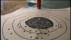 Céline Galipeau rapporte le point de vue des résidents de Newtown quant au débat sur les armes