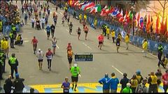 Images de l'une des deux explosions à l'arrivée du marathon de Boston