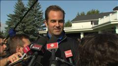 Geoff Molson face aux médias au tournoi de golf du Canadien