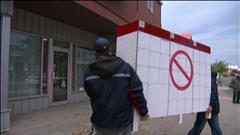 Manifestation contre le coupes chez Postes Canada