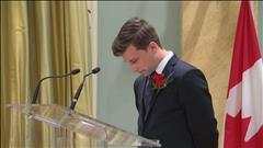 GND reçoit son prix du Gouverneur général