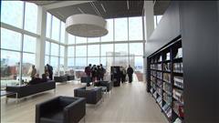 Design impressionnant de la bibliothèque d'Halifax