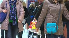 Des consommateurs à la recherche d'aubaines