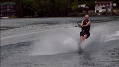 L'ex-premier ministre est un adepte de ski nautique