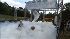 Journée mousseuse à l'occasion du premier « 5K Foam Fest »